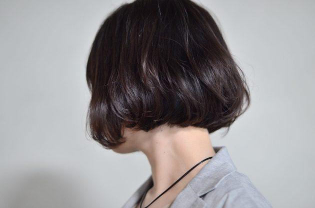 内巻きボブのヘアスタイル